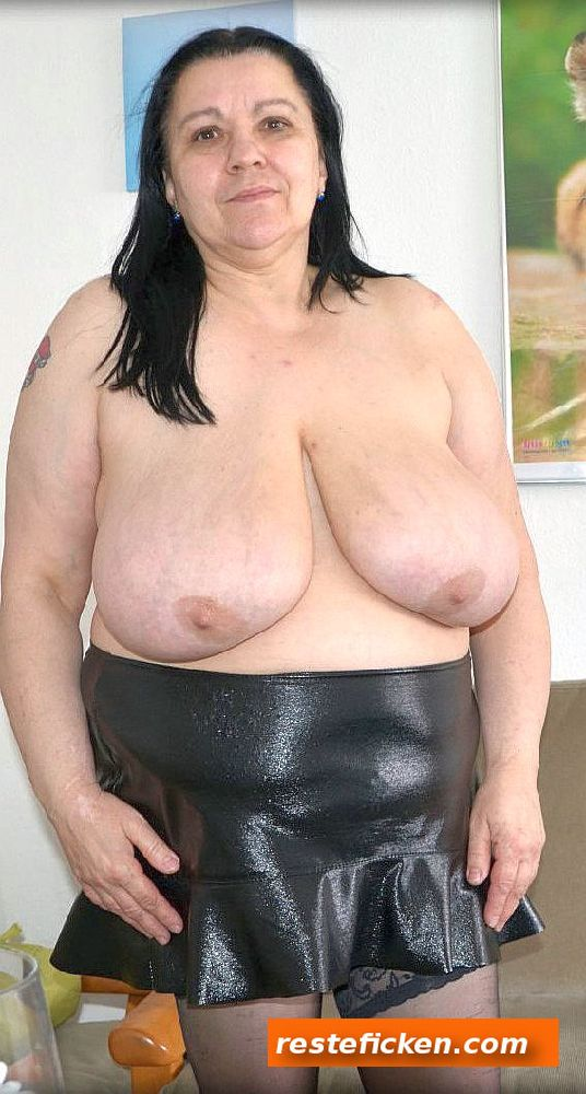 Hot lesbian milf