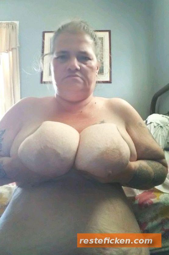 Unterfickte geile Sau sucht Sextreffen