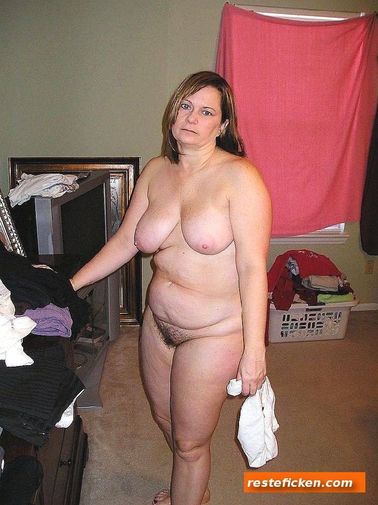 Beringte Dick Titten Hausfrau im Fahrstuhl gebumst