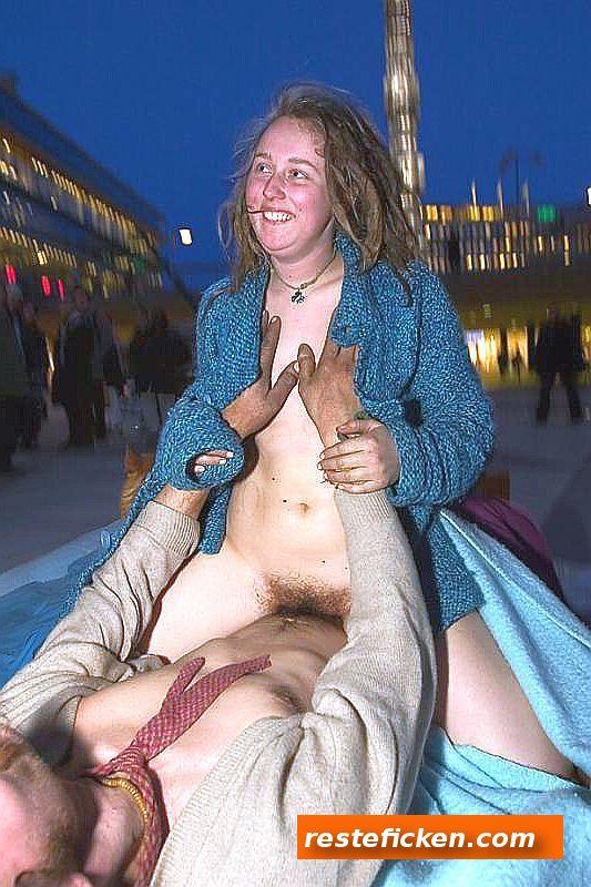 Lust zwei obdachlose Mädels zu ficken?